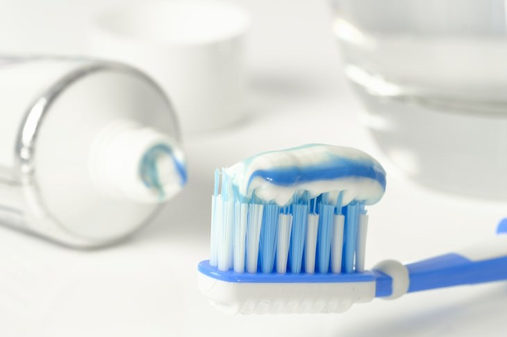 Personal Care Items that Need to Be Replaced Toothbrush