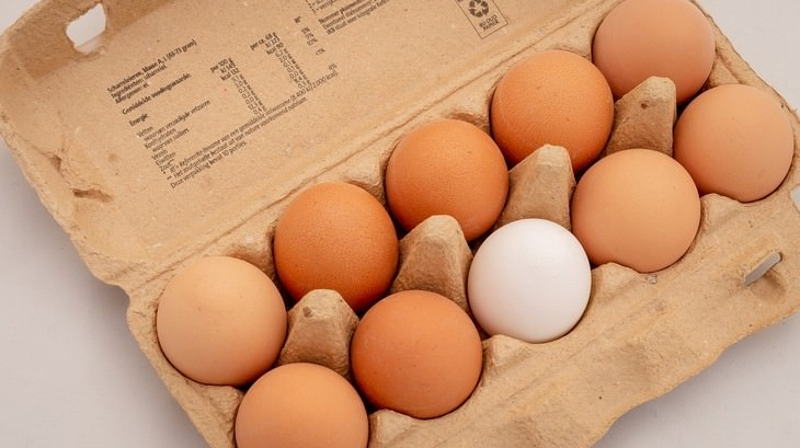 foods safe to eat past expiration date carton of eggs