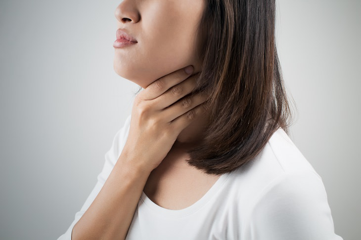 dry mouth health guide woman having a sore throat