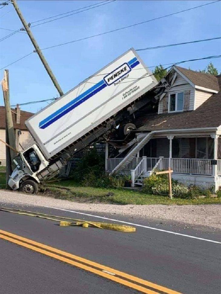 Funny Car Crashes, truck