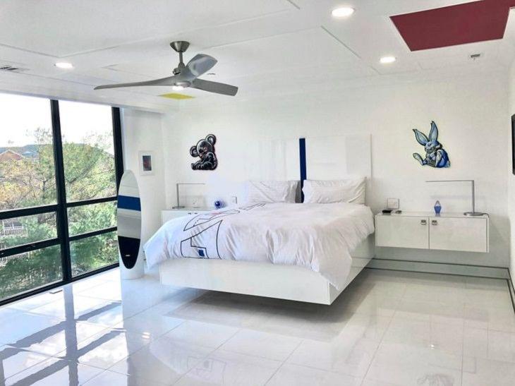 DIY Decoration, floating bed