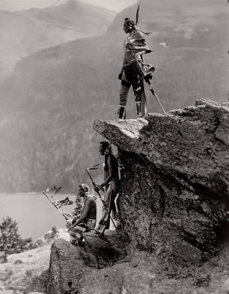 18 Remarkable Images That Offer a New Perspective, Native Americans of the Blackfoot tribe in Glacier National Park