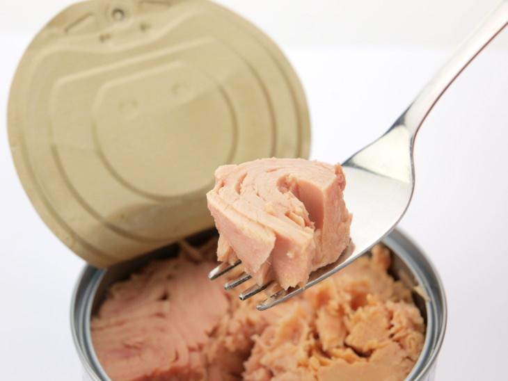 Canned Tuna Healthy or Not tuna on a fork