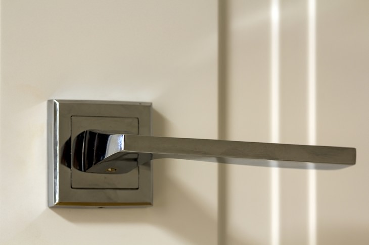 Age-Proof a House, doorknobs