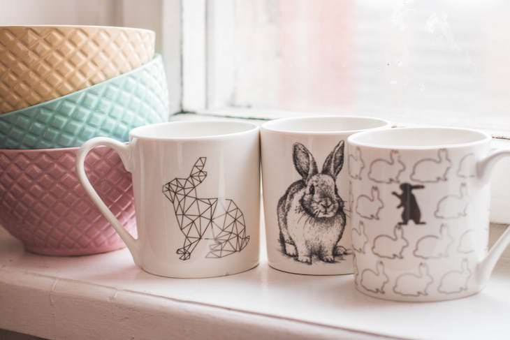 11 Household Items You Should NOT Throw Away, mugs