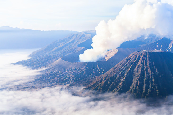 7 Fascinating Facts About Ancient Humans, volcano