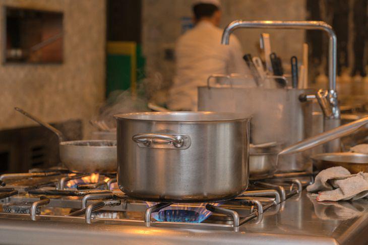 Stovetop mistakes, kitchen