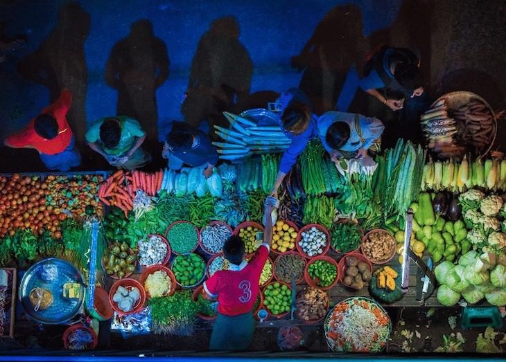 12 Unforgettable Photos of Asia by Zay Yar Lin,Night Market in Yangon, Myanmar