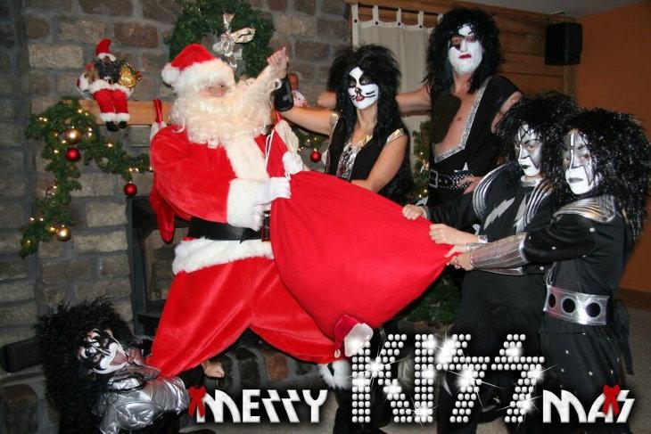 Christmas Family Photo Fails Merry Kissmas!