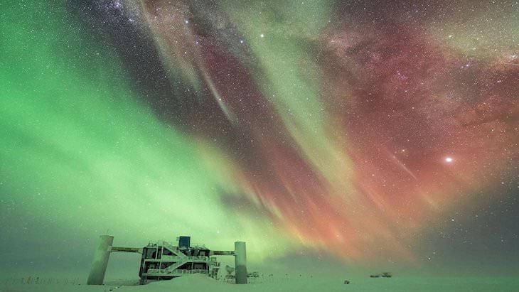 "Best Northern Lights Photo of the Year shortlist, ""Antarctic Night"" by Benjamin Eberhardt, edit by Martin Heck"