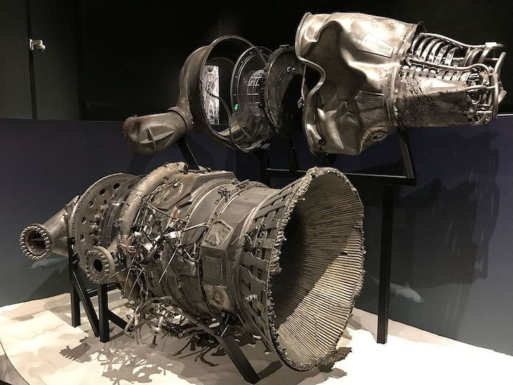 Mysterious Objects Found By Deep Sea Divers, Apollo moon rocket engines