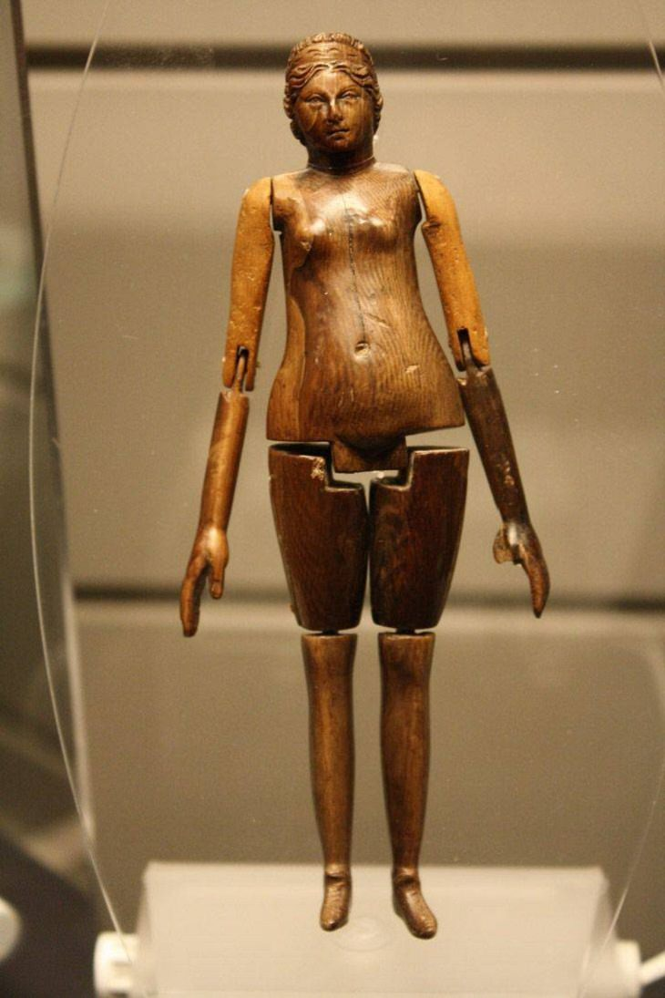 Museum Items, ancient Roman doll
