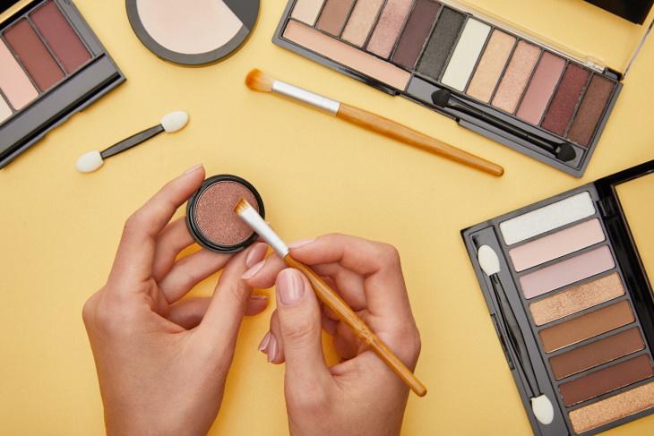 Asbestos Source and Health Risks Powder Cosmetics