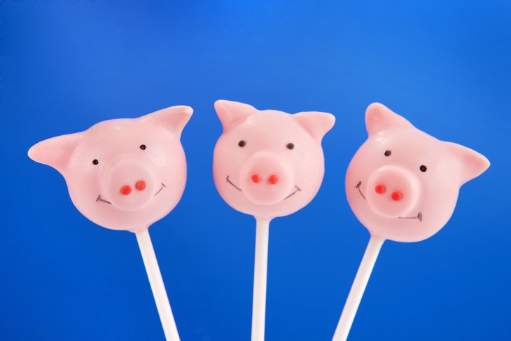 Valentine's Traditions in the World pig candy