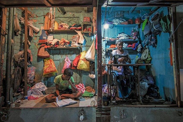 Generation Gap por Manojit Mitra