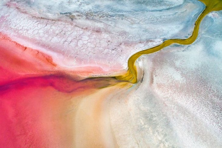 Pink Salt Lake, Kalbarri, Austrália Ocidental por Mat Beetson