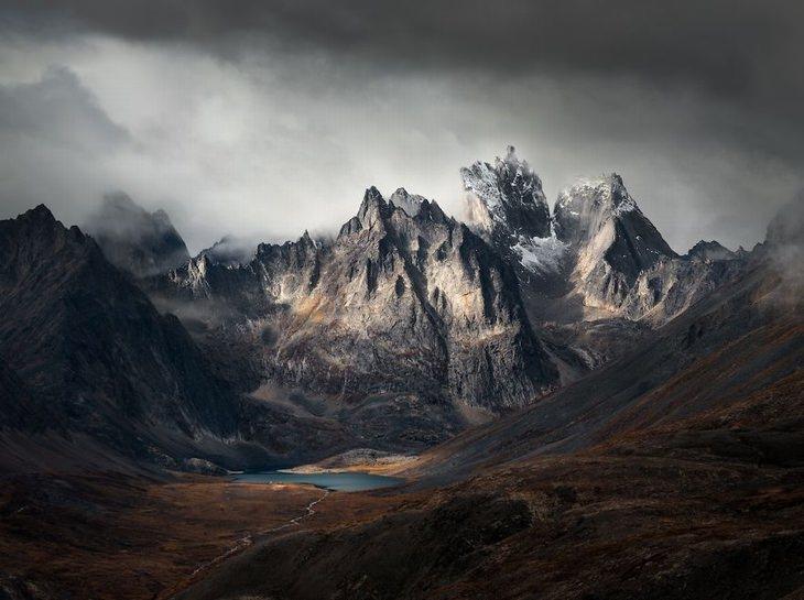 Grizzly Lake, Yukon, Canadá por Blake Randall
