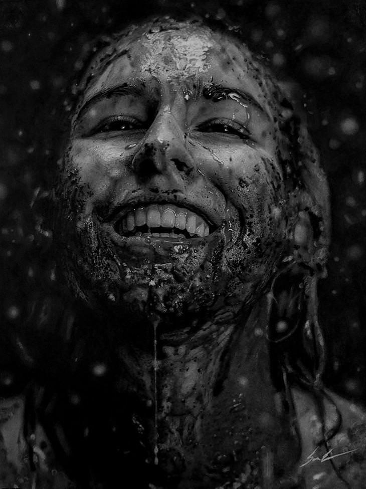 Astonishing Hyper Realistic Charcoal Portraits
