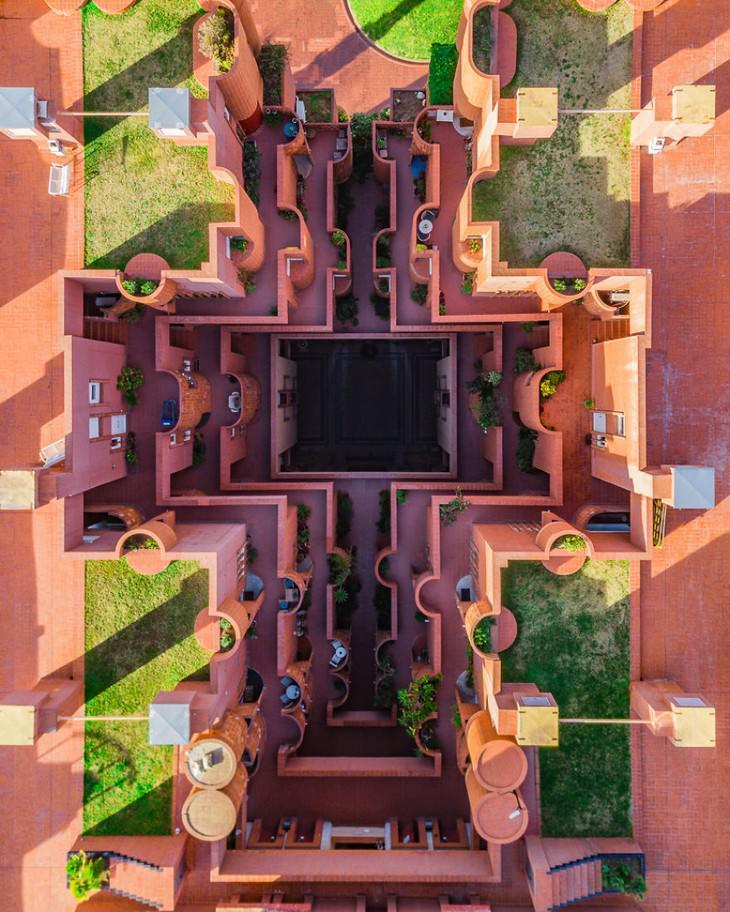 8 Photos Showcase Barcelona's Amazing Symmetry