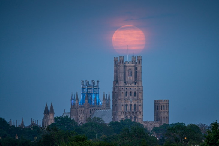 Photos of Supermoon of 2020 Ely Cathedral, England