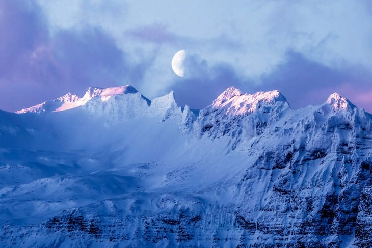 The Magic of Iceland in 15 Mesmerizing Photos Morning Moon
