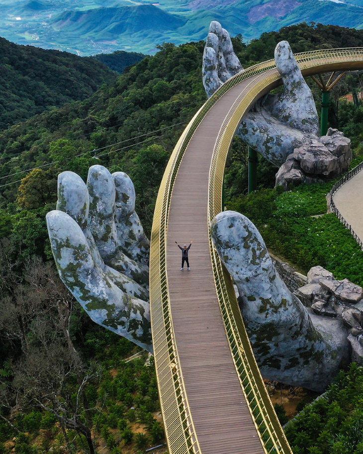 Agora Architecture Contest Winner: Golden Bridge