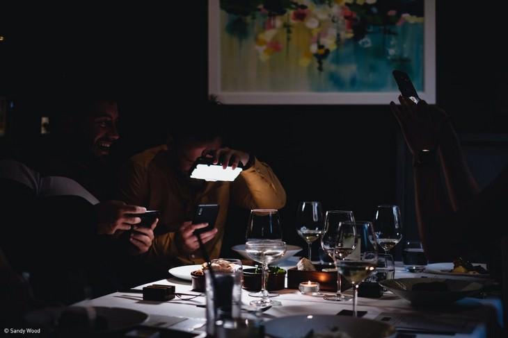 """9. """"Φαίνεται πάρα πολύ καλό για φαγητό (ακόμα)"""" από τον Sandy Wood"""