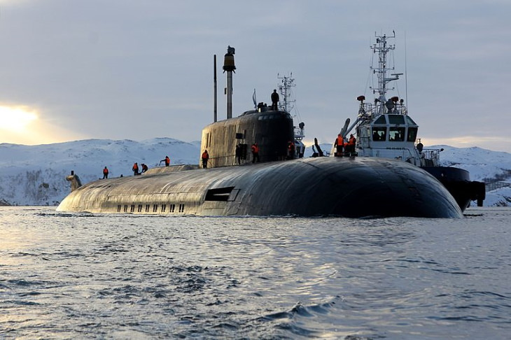 Crazy Places People Got Stuck Amid Lockdown submarine