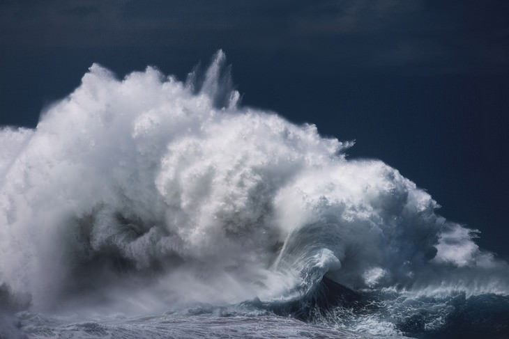 11 Powerful Images of the Ocean by Luke Shadbolt