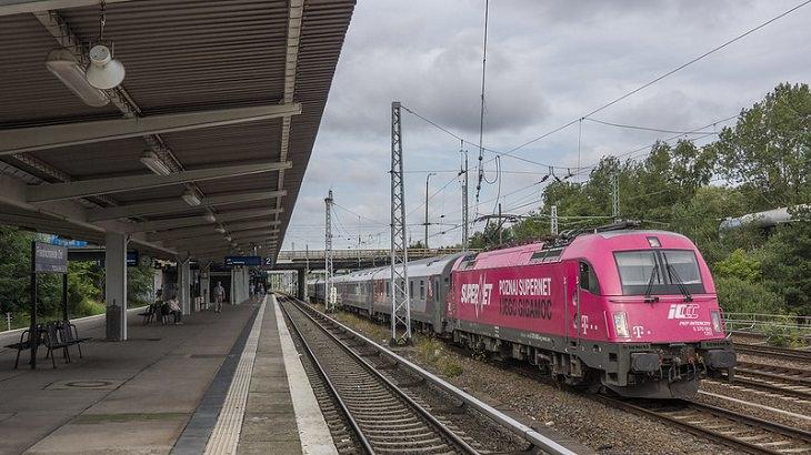 Τα μεγαλύτερα ταξίδια τρένου, Paris-Moscow Express