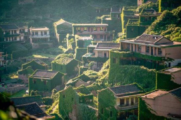 Rare Pics,Chinese village of Houtouwan