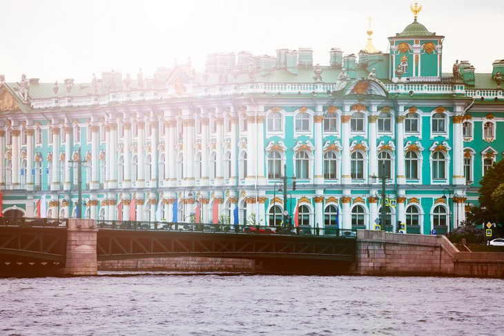 Tourist Destination You Didn't Know Were Haunted winter palace