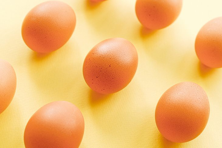 weight loss benefits eggs eggs on yellow background