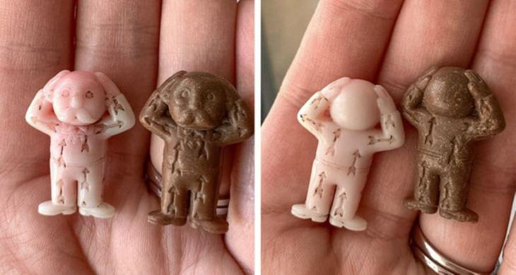 Mysterious Objects, plastic figurines