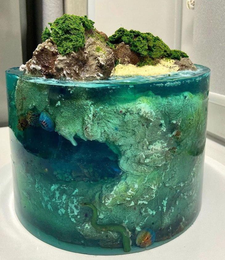 Paradise Island Cakes underwater