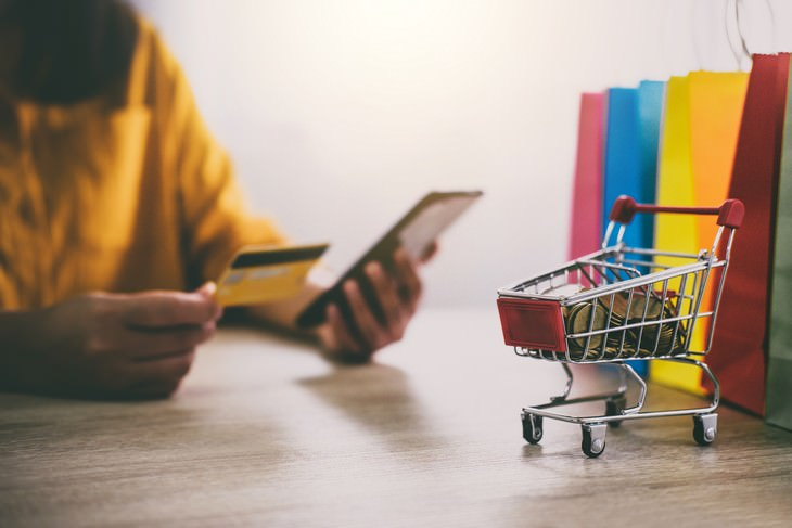 All the Risks and Benefits of 'Buy Now Pay Later' online shopping