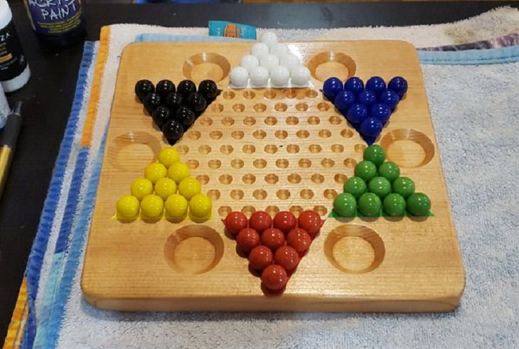 Misnomers, Chinese Checkers