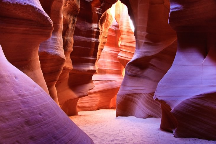 10 Most Beautiful Caves in the US Antelope Canyon, Arizona