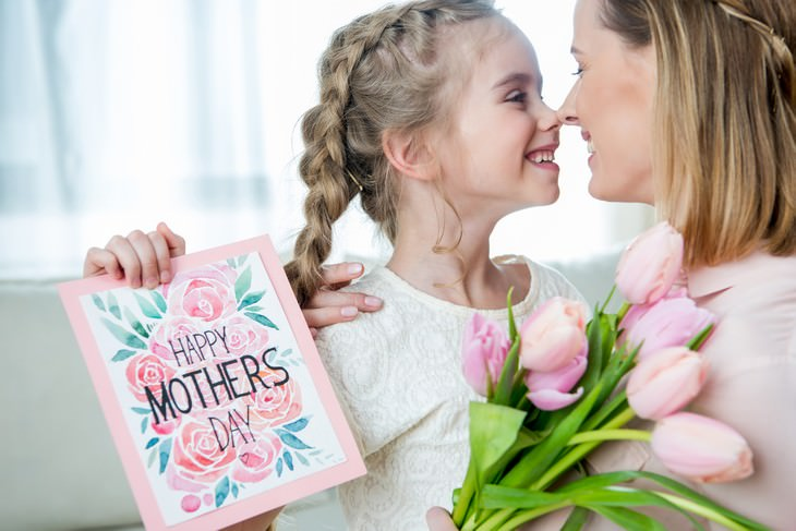 Inventors Who Deeply Regret Their Inventions mother and daughter on mother's day