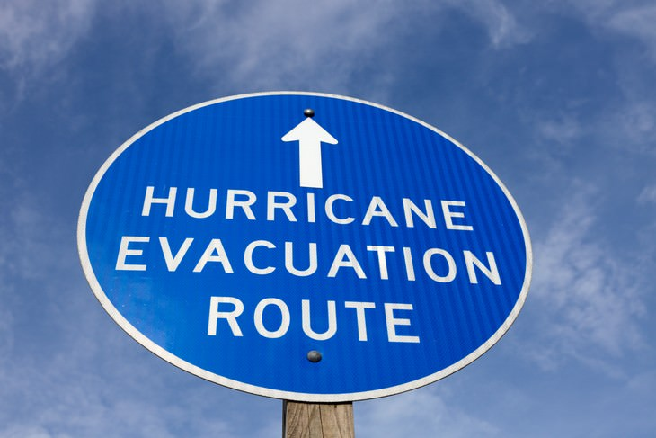 7 Mistakes to AVOID When Preparing For a Hurricane evacuation