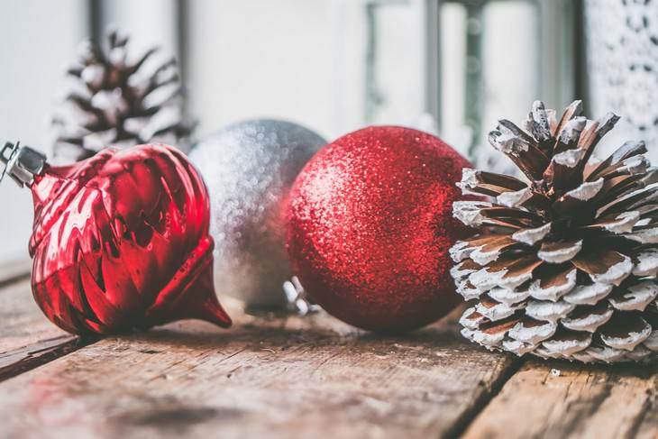 12 Things That Should Never Be Stored in the Attic Christmas decoration