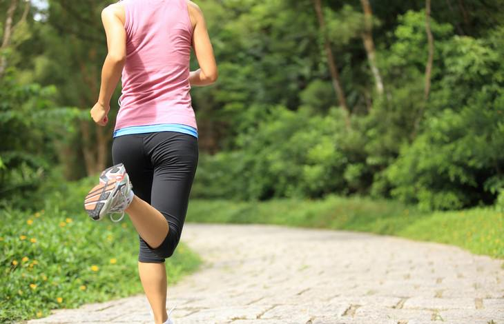 Health Benefits & Correct Way To Do Jumping Jacks woman jogging