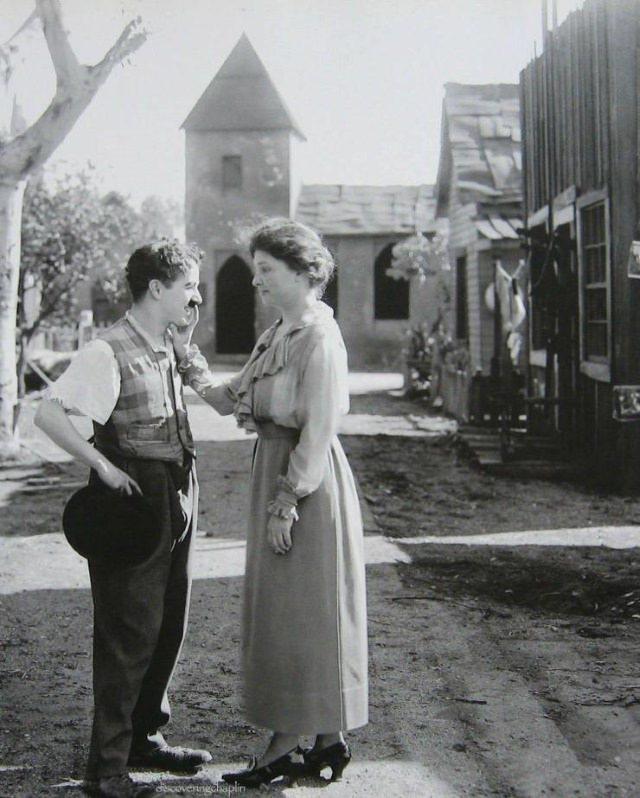 Vintage Photos Charlie Chaplin and Helen Keller (1919)