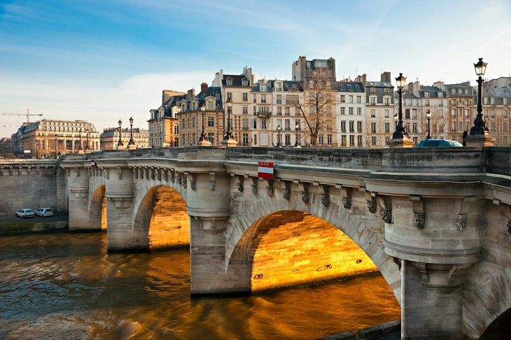 Datos Fascinantes Sobre París Pont Neuf es el puente más antiguo de París.