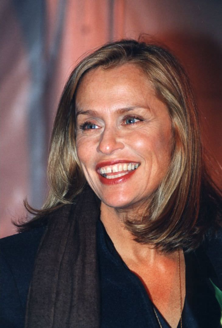 Most BEAUTIFUL Female Celebrities Over 60, Lauren Hutton
