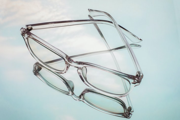 Clean Glasses transparent frame