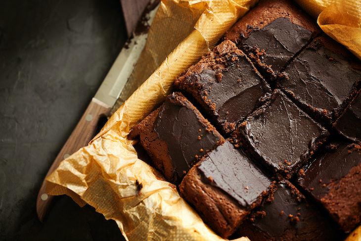 Recipe: Healthy and Easy 2-Ingredient Brownies, frosting