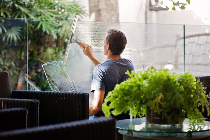 Bad Housekeeping Habits Washing windows