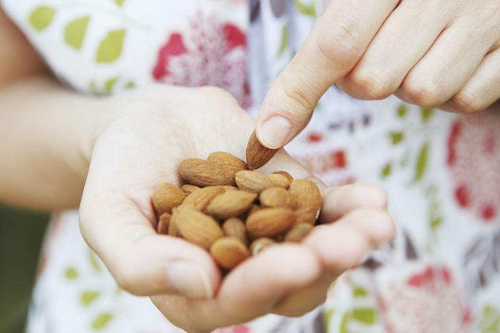 6 Dietary Tips for Better Sleep, almonds