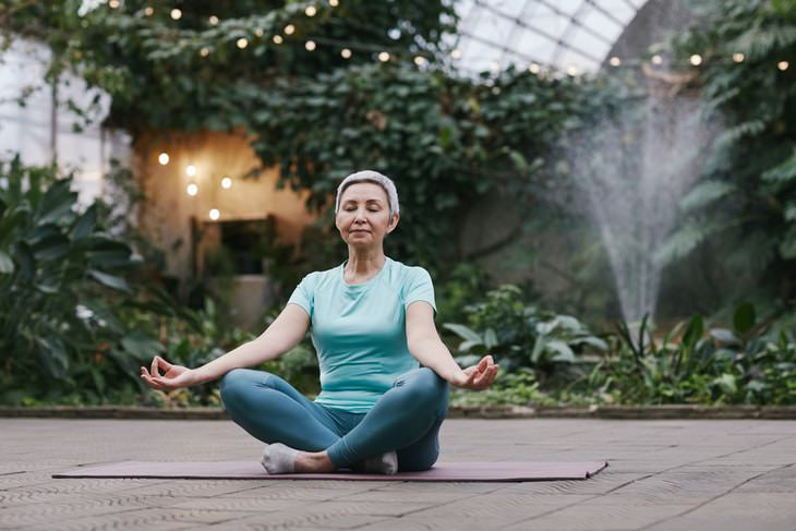 Seated Exercises Easy Pose (Sukhasana)